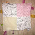 Rose / Écru animaux zoo (tissus à colorier)