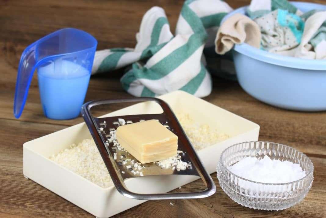 lessive fait maison raper le savon